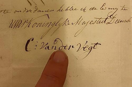 Christiaan zijn handtekening - mijn vinger fb