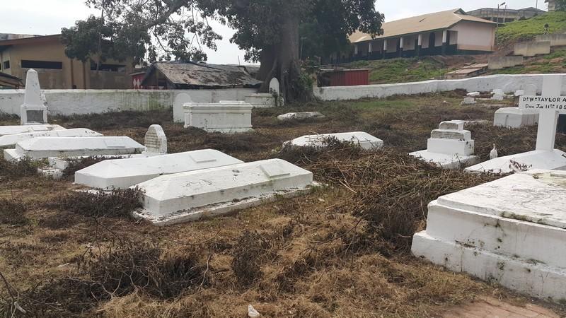 Elmina 05